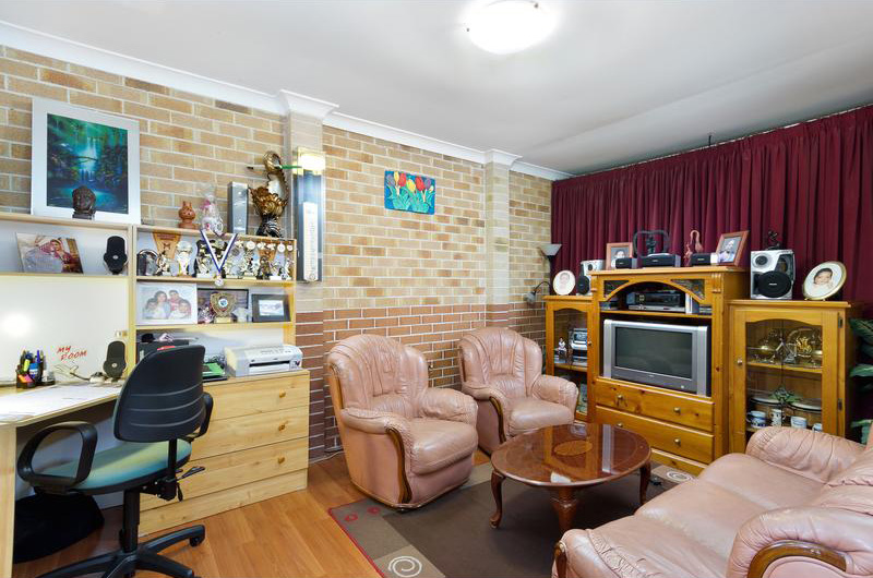 6-chelmsford-road-south-wentworthville-3